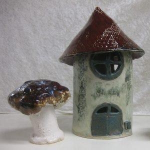 Svanfolk Keramik - elevarbejde. Keramikhus og svampe