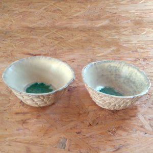 Elevarbejde - to hvide skåle med turkis